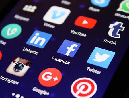 Media Społecznościowe Facebook Linkedin Twitter Instagram TikTok YouTube